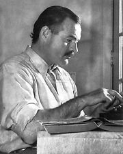 """ERNEST HEMINGWAY FOR COVER OF """"FOR WHOM THE BELL TOLLS"""" - 8X10 PHOTO (AZ392)"""