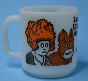 Vintage  Little Orphan Annie and Dog Sandy Milk Glass coffee Cup 1974