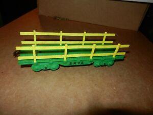 MARX Erie Flat Car, Green w/Yellow Stakes, 4 Wheel,  Original