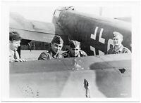 Treffer im Leitwerk einer Ju 88. Orig-Pressephoto, um 1940