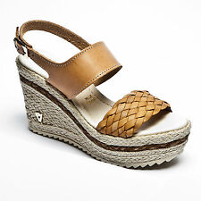 Casual 100% Leather Textured Sandals & Beach Shoes for Women