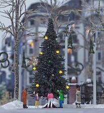 HS Busch 5413 Weihnachtsbaum ohne Schnee beleuchtet