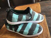 Sanuk Mens Range Funk E/ BLACK Watercolor Stripe Surfer Shoes USSZ 9 NEW!