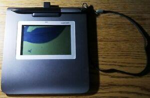 Wacom STU-430/G signature pad with a broken display for parts