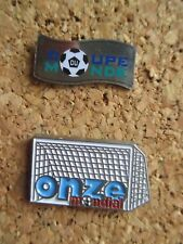 lots 2 pins sport coupe du monde football