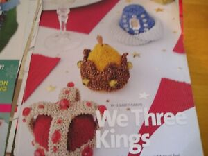 KNITTING PATTERN FOR 3 CROWN TABLE DECORATIONS.