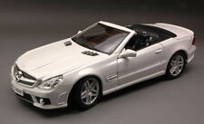 Mercedes SL63 Amg 2009 White 1:18 Model MAISTO
