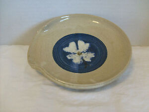 """Grey Horse Pottery North Carolina Dish decorated with a Flower Blue & Gray 6"""""""