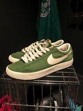 Nike Blazer Bajo Top Gamuza Verde Oscuro Blanco Recortar Entrenadores Talla 5 Reino Unido buen usado con