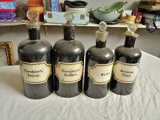 Lot de 4 anciens bocaux de pharmacie en verre peints pour l'opacité, bouchons en