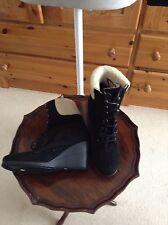Roberto Vianni Black Wedge Boots with Faux Sheepskin Trim - UK4