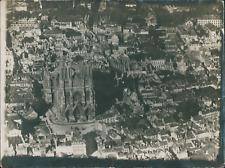 Europe, photo aérienne, ville et cathédrale à identifier  Vintage silver print,