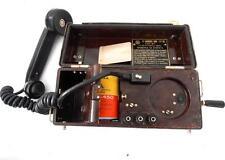 Antiguo telefono  MILITAR de campaña, de baquelita con magneto URSS soviet phone