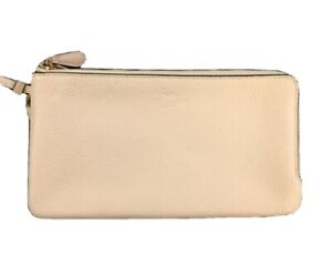 Coach Wristlet White New Without Tags