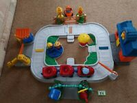 FISHER PRICE WORLD OF LITTLE PEOPLE  TRAIN SET, Toddler toys complete set