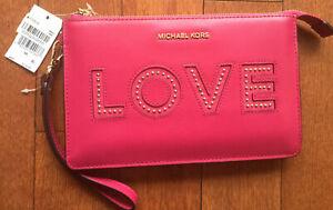 NWT MICHAEL MICHAEL KORS Medium Gusset Leather 'LOVE' Studs WRISTLET ULTRA PINK