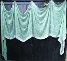 Fairtrade color verde pálido Brillo Plata con Lentejuelas Sari Tela Bohemio Ventana Swag