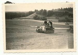 Foto - Deutscher Panzer mit Besatzung - 2.WK