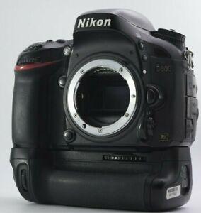 READ!! ASIS Nikon D600 24.3 MP Full Frame Camera w/BG 315,691 Shots From JAPAN
