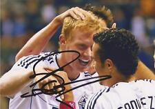 VANCOUVER WHITECAPS: BARRY ROBSON SIGNED 6x4 ACTION PHOTO+COA