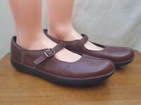 Women's Clarks 77604 Brown Leather Split Toe Mary Jane Buckle Strap Shoes - 11M
