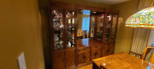 THOMASVILLE CHINA CABINET/ENTERTAINMENT CENTER 5 PIECE. MIRROR CAN BE REMOVED.