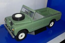 Model Car Group 1:18 Land Rover 109 Series II Pick-Up RHD 1959 olijfgroen nieuw