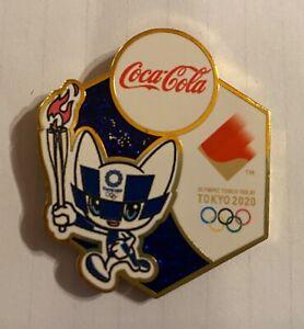 TOKYO 2020 OLYMPIC PINS -  COCA COLA MASCOT TORCH RELAY PIN .