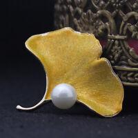 Broche Pin Doré Feuille Ginkgo Email Jaune Pailletté Perle Blanc Retro XZ9