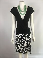 THREADZ size M or 12 black and white stretchy skirt