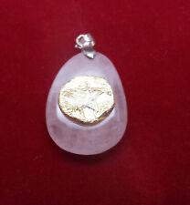 talisman/ithothérapie pentagramme sur quartz rose en pendentif
