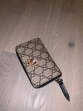 Gucci men pouch wallet cardholder  100% authentic size in photos by tape measure