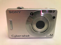 Sony Cyber-shot DSC-W70 7.2MP Digital Camera - Silver for Parts