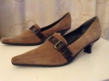 Clarks Size 5.5 Ladies Pointy Toe Brown Suede Shoes 39 EU, Low Heel