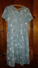 LADIES TRUE VINTAGE BLUE FLOWERED DRESS 36 CHEST