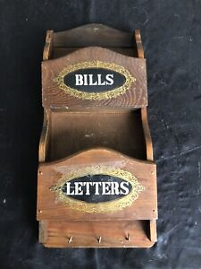 VINTAGE WOODEN WALL MOUNTED LETTER and RACK KEY HOLDER.