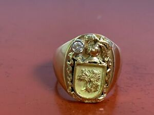 18K Yellow Gold Knights Shield Ring W/ Diamond , Size 5.25 , 11.7 Grams