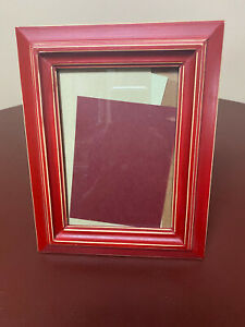 """Red w/Cream Accents Wood Frame; Frame 8""""x10""""; Picture 5""""x7"""""""