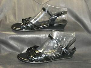 SAS Strappy women's black patent leather quarter strap sandals shoes size US 9W