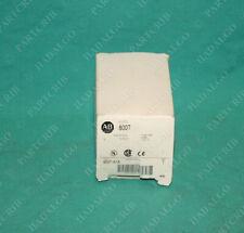 Allen Bradley, 800T-A1A, Push button Flush Head Green Switch NEW