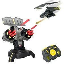 SPIN MASTER AIR HOGS R/C CONTROL BATTLE TRACKER HELICOPTER DELUXE SET