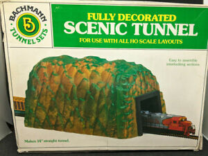 Bachmann HO: Fully Decorated SCENIC TUNNEL, Vintage