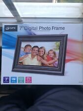 """GPX PF728 7"""" Digital Picture Frame"""