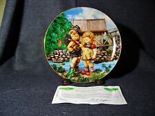 "M.J. Hummel Little Companions Collector Plate ""Hello Down There"" 1990 Mib Coa"
