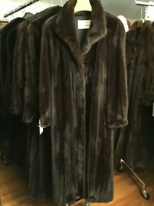 CHICAGO FUR MART SIZE 20 GORGEOUS CLASSIC BRAND NEW RANCH FEMALE MINK COAT$17000