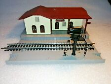 LIMA RAILWAY, OO/HO GAUGE, STATION & WORKING SWITCHED COLOUR SIGNALS, VGC