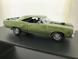 MATCHBOX COLLECTIBLES 1:43 Scale 1970 Plymouth Road Runner Hemi YMC04-M