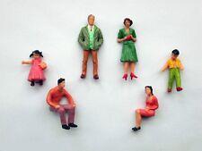 F13 - 40 Stück Figuren stehend + sitzend 1:32 für Spur 1 und Carrera 132