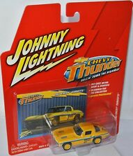 Chevy Thunder - 1963 CHEVY CORVETTE #37 yellow/graphics - 1:64 Johnny Lightning