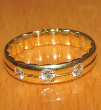 STUNNING  SECONDHAND 9ct YELLOW  GOLD 0.30ct DIAMOND  BAND  RING SIZE T